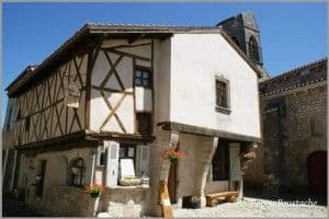 Charroux-Half-timbered-House-ob_483d47_ancienne2-gf