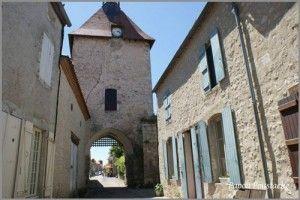 Charroux-ob_f6bd7c_beffroi-gf
