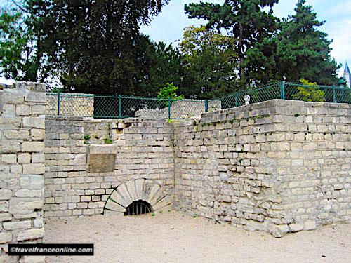 Arenes de Lutece - Vestiges of access tunnel