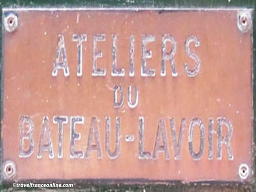 Ateliers du Bateau Lavoir - sign on door