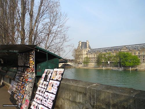 Bouquinistes by the Louvre