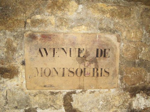 Orientation sign in Paris Catacombes