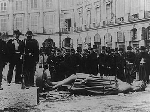 Place Vendome - Destruction column during Paris Commune