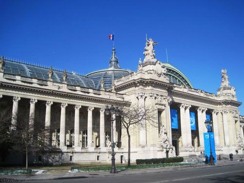 Grand Palais - on Avenue Churchill