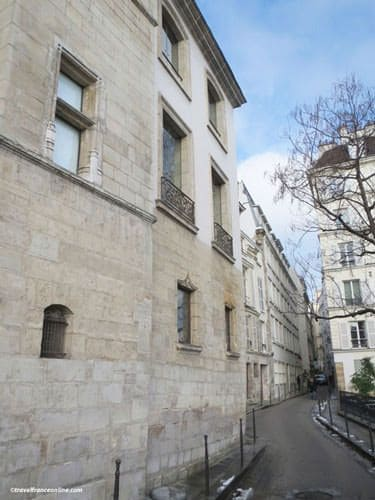 Ile de la Cite - medieval building in Rue des Ursins