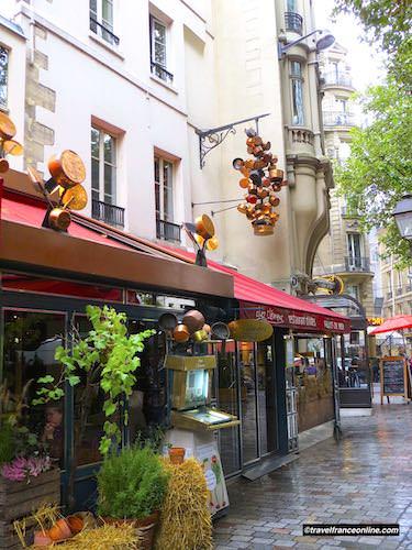 Picturesque restaurant in Latin Quarter