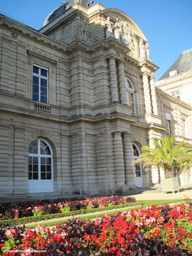 Luxembourg Palace - Gisors' cupola and main entrance
