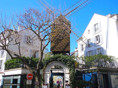 Village Montmartre - Le Moulin de la Galette