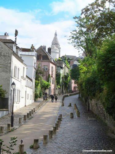 Montmartre village - Rue de l'Abreuvoir