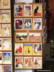 Montmartre village - A tourist shop in Montmartre