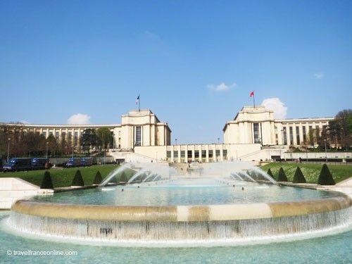 Fontaine de Varsovie and Palais de Chaillot