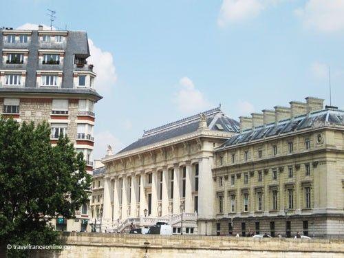Palais de Justice - Vestibule de Harlay