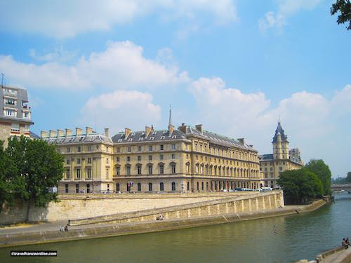 Palais de Justice west and south sides