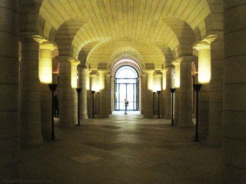 Pantheon Crypt's vestibule