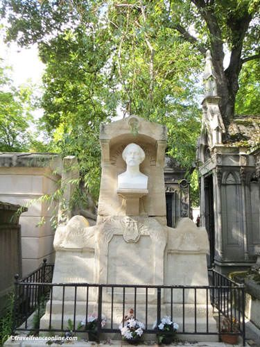 Pere Lachaise Cemetery - Alfred de Musset's grave