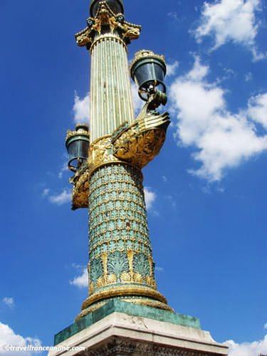 Place de la Concorde - Golden candelabra