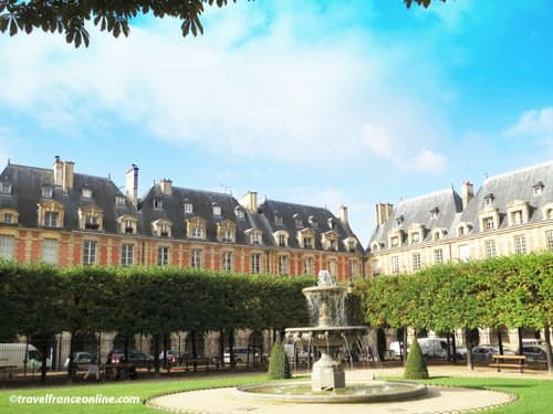 Place des Vosges - Southwest corner with fountain