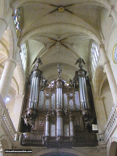 St Etienne du Mont Church great organ