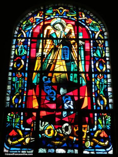 Saint Pierre de Montmartre - Stained glass window by Max Ingrand