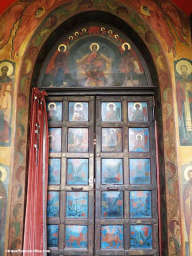 Saint Serge de Radonege Church - Door to church