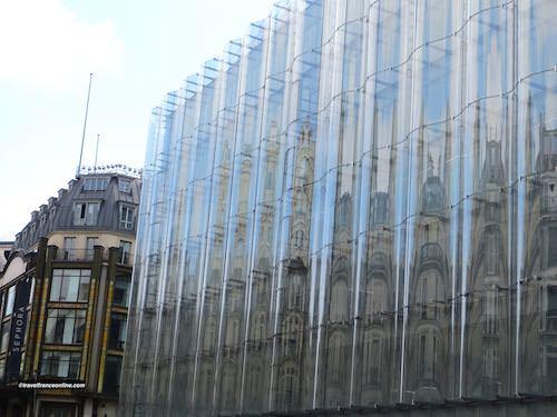 La Samaritaine - The 'Shower curtain' new glass facade on rue de Rivoli