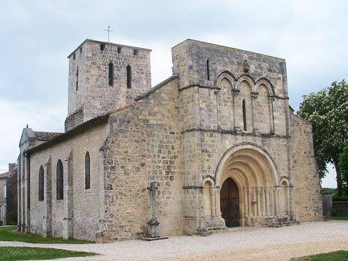 Saint-Saturnin Church in Moulis en Médoc