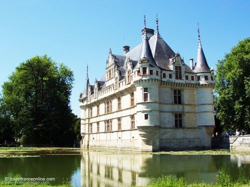 azay le rideau castle chateau renaissance. Black Bedroom Furniture Sets. Home Design Ideas