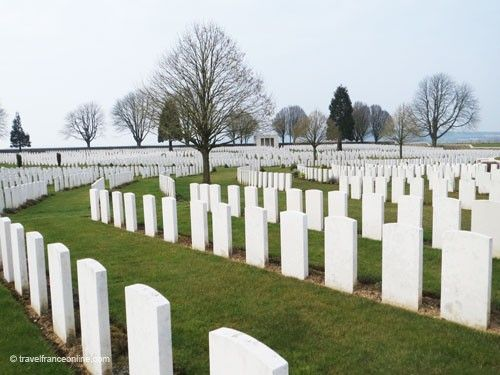 Cabaret Rouge CWGC Cemetery