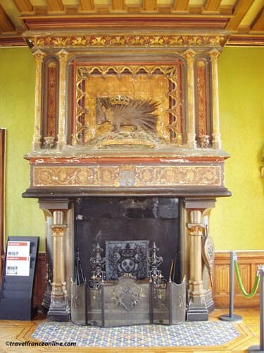 Chateau de Chaumont sur Loire - Fireplace with porcupine emblem