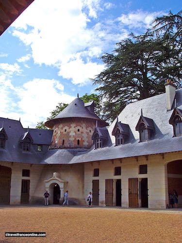 Chateau de Chaumont sur Loire - Stables and dovecote