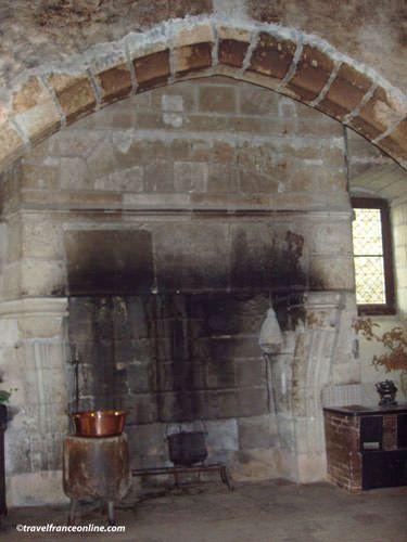 Chateau de Montreuil Bellay - Medieval kitchens