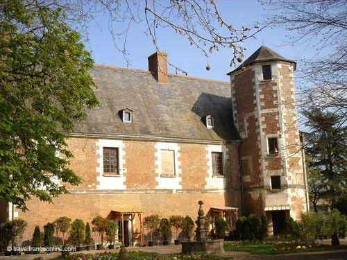 Chateau de Plessis les Tours - Main facade