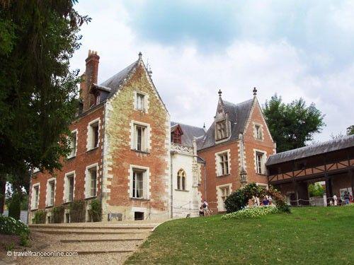 Chateau du Clos Luce and its loggia