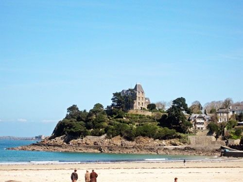 Dinard - Plage de l'Ecluse and Villa Saint-Germain