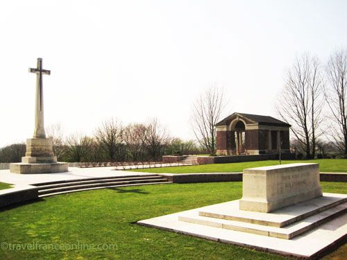 Hooge Crater and Cemetery - Cross of Sacrifice and Stone of Remembrance