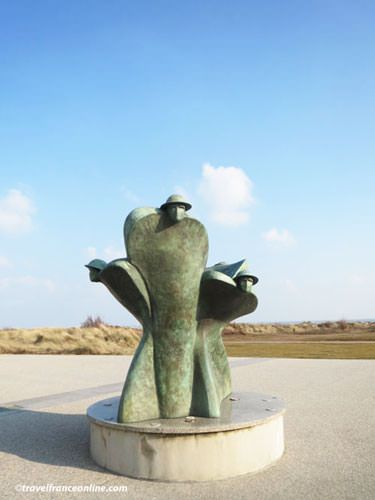 Canada Alive! Commemorative sculpture by Juno Beach Centre in Corseulles-sur-mer