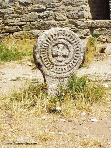 Knights Templar in Aveyron - Templar Cross in la Couvertoirade Cemetery