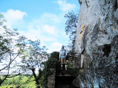A dummy guarding the entrance to the fortress as in the medieval La Roque Saint Christophe