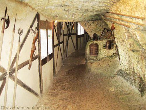 La Roque Saint Christophe - Interior of the weapons room