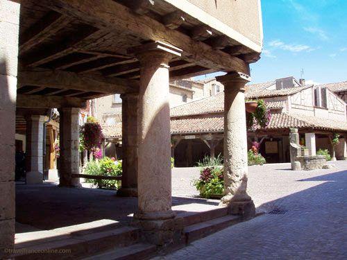 Lautrec in Tarn - Place des Halles