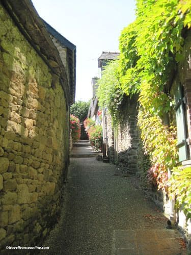 Lehon Castle and Village lane