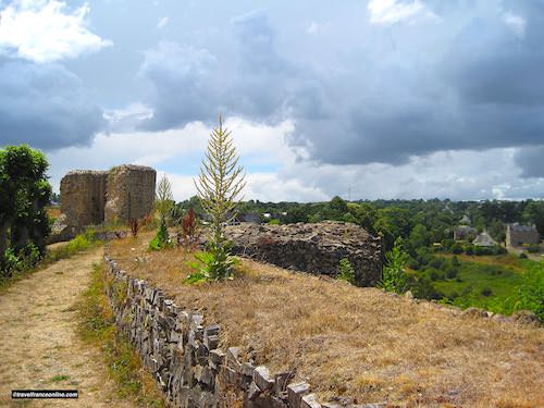 Leon castle ruined ramparts