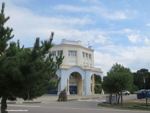 Les Sables d'Or Art Deco architecture