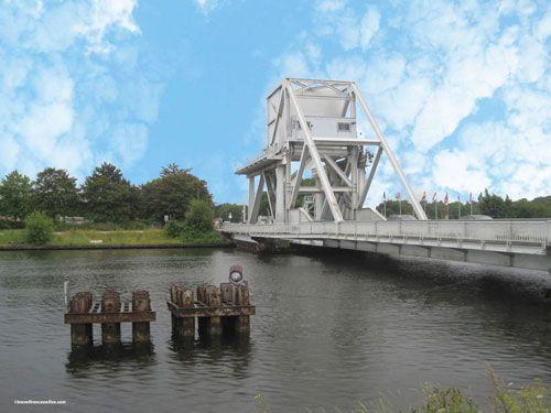 Pegasus Bridge operating replica in Benouville