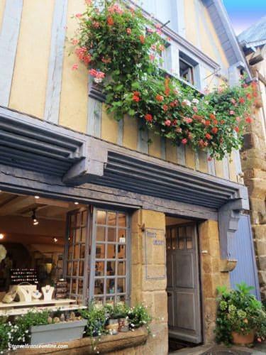 rue du jerzual medieval street in dinan. Black Bedroom Furniture Sets. Home Design Ideas