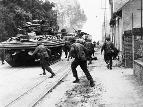 House to house fighting at Riva Bella - Sword Beach