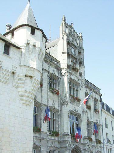 Saumur city hall