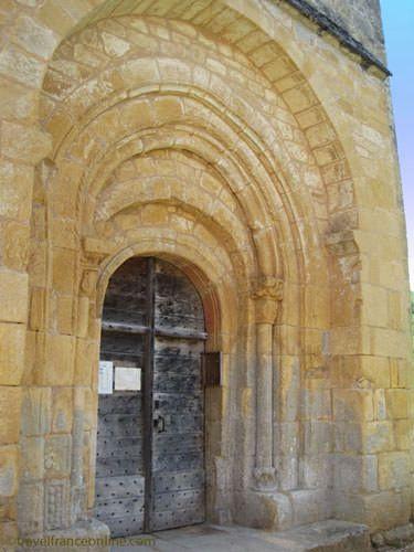 Sergeac - Church Romanesque porch