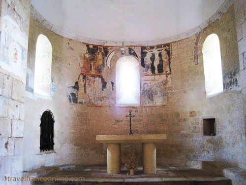St Martin Chapel Limeuil - Altar and murals