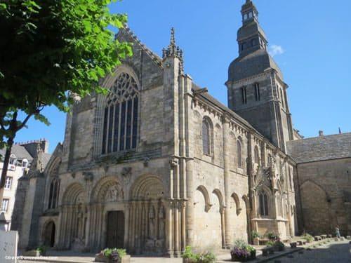 St-Sauveur Basilica of Dinan - Facade on Place Saint Sauveur